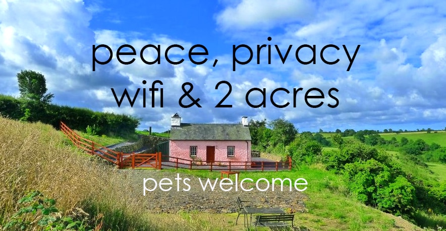 the perfect Pembrokeshire holiday cottage - set well down its own lane.