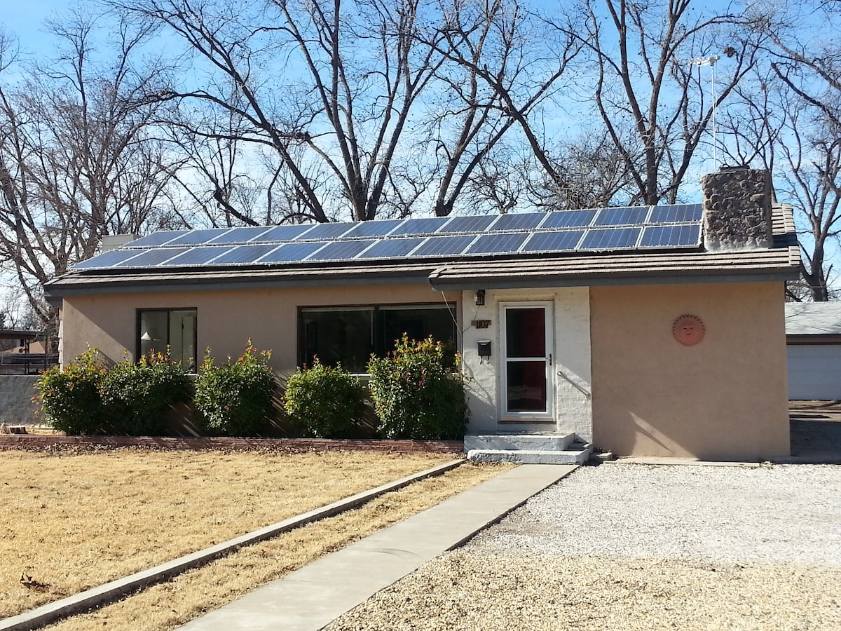 Solar home near  Carlsbad Caverns
