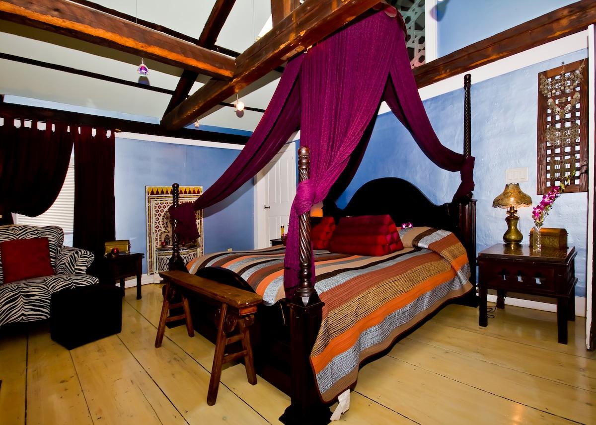 Luxury suite, Moroccan furnishings