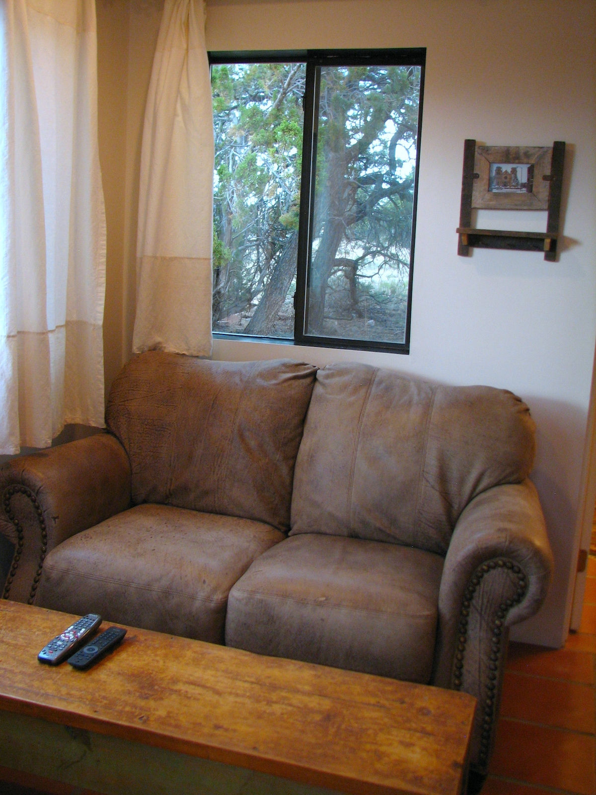 Comfy leather loveseat for 2.