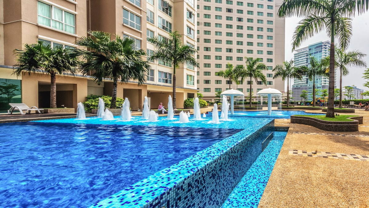 Relax and have fun in the swimming pool when you stay in my apartment.