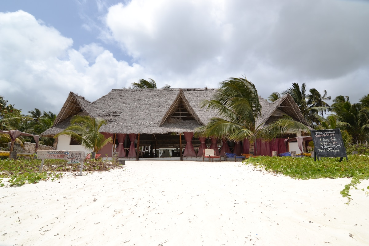 TripleRoom in classic African Villa