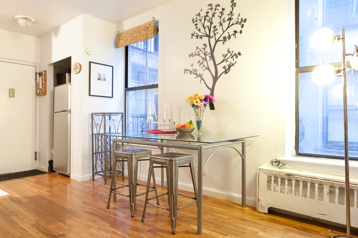 Spacious NYC Apt - Stay for Less!