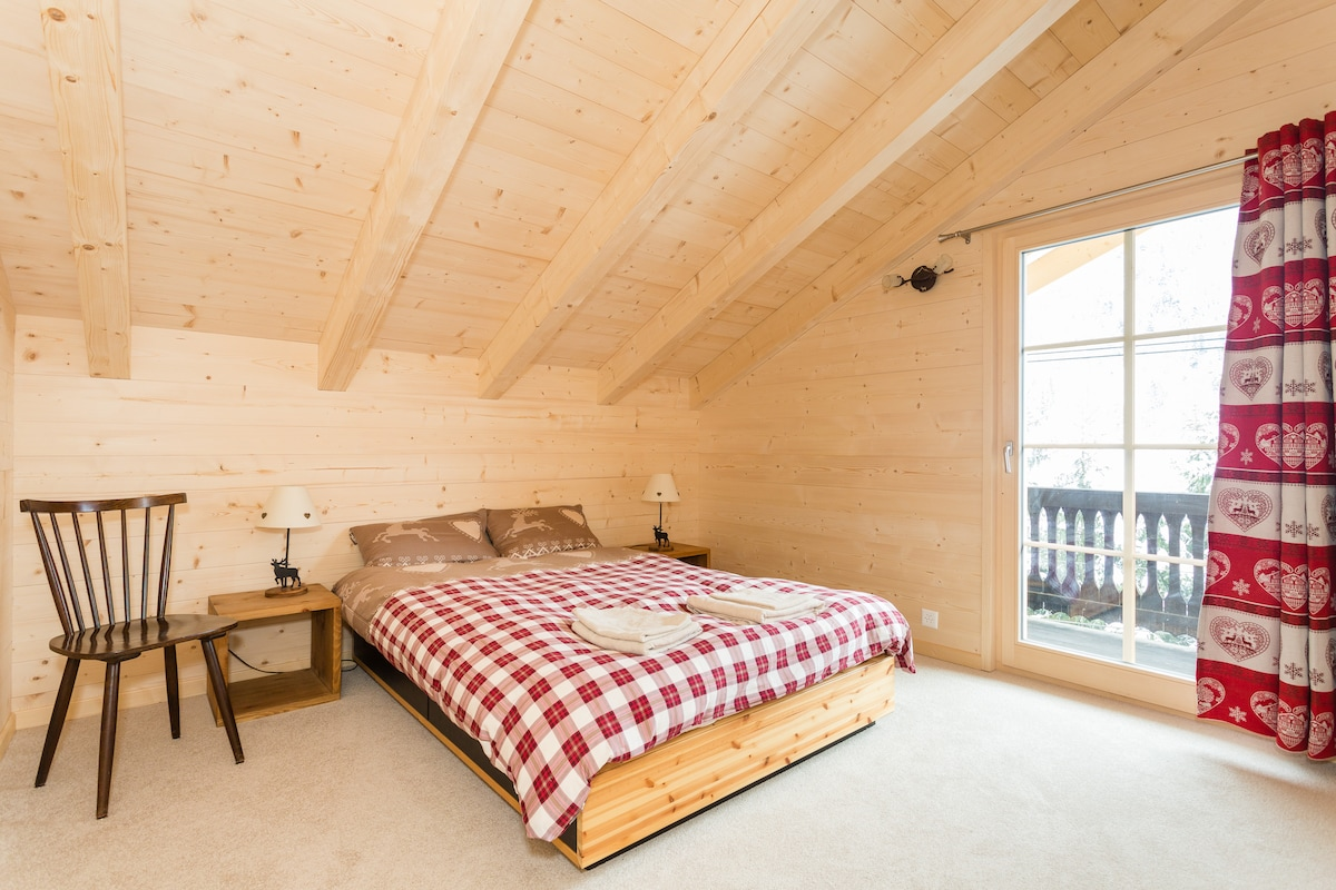 Traditional, Luxurious Swiss Chalet