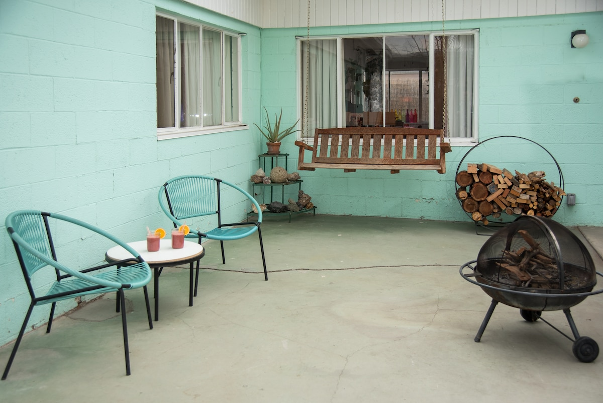 You will be close to the action, but worlds away from it! Sit on the front porch swing with a view of the Stratosphere!