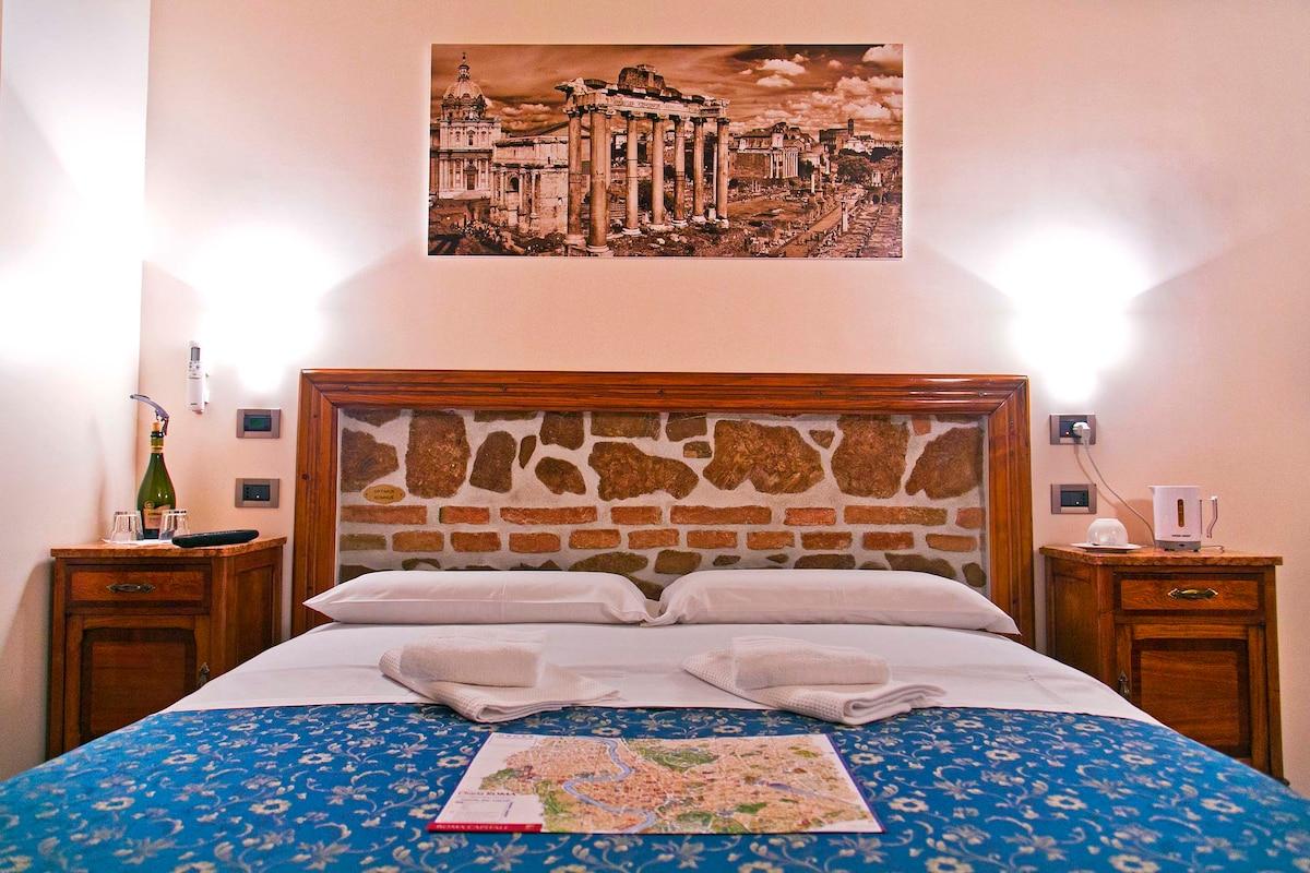 Large room in Roma Termini