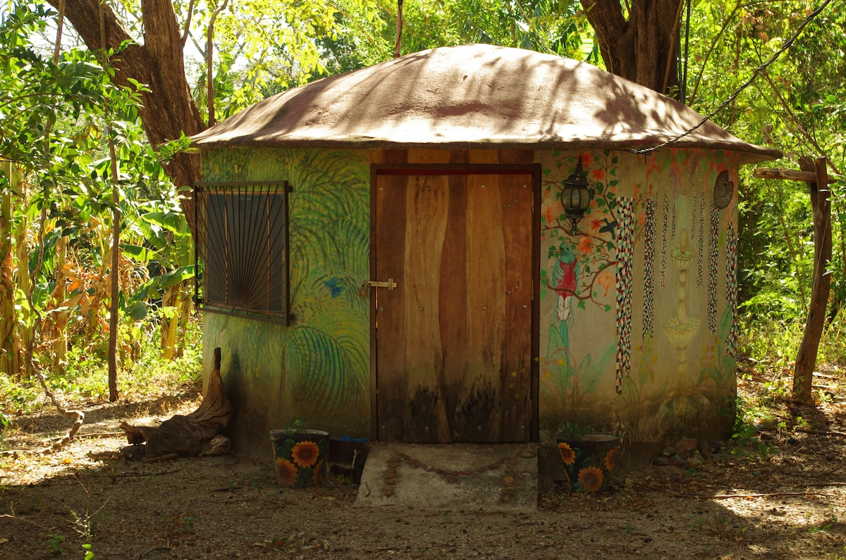 Nature Dive House-Fairy Tale House