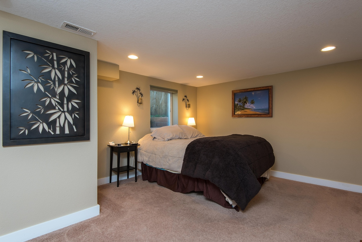 Large bedroom with lots of space
