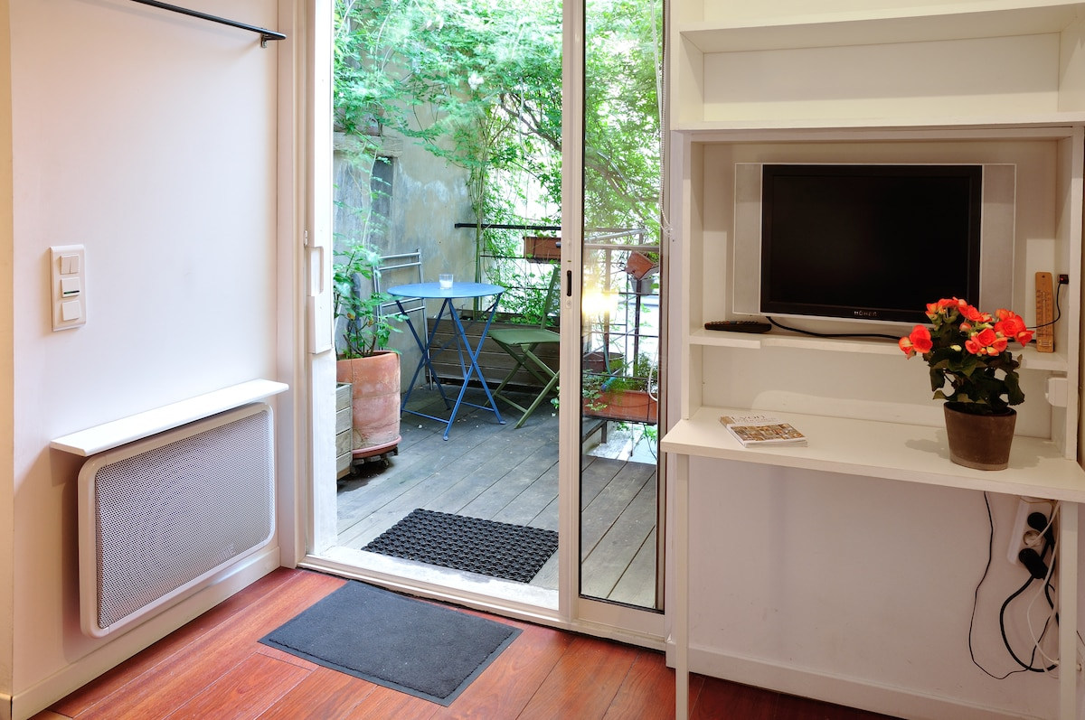 La chambre d'hôtes et sa terrasse