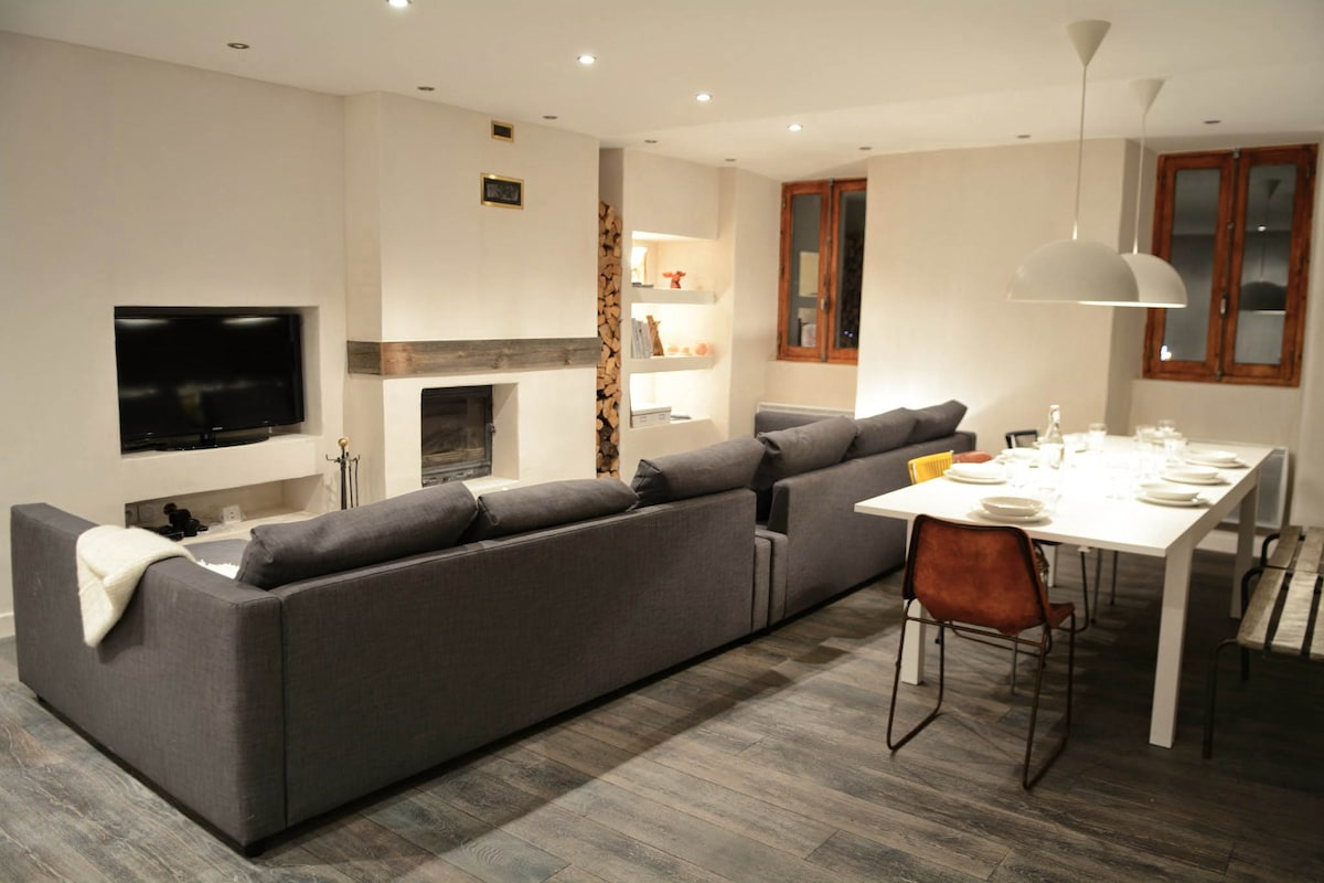 Luxury chalet apartment 10 people