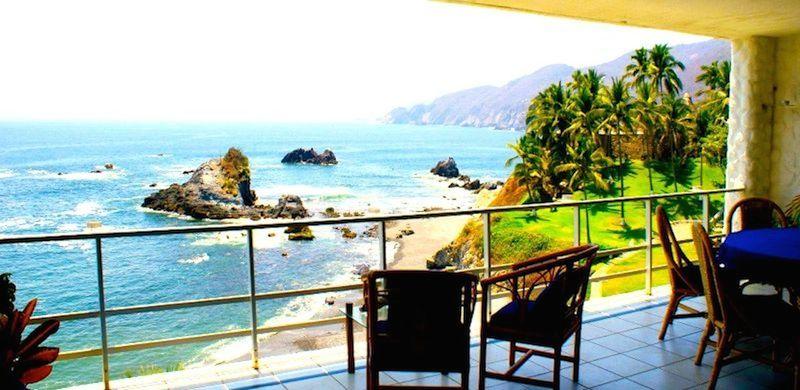 Breathtaking ocean front Apartment