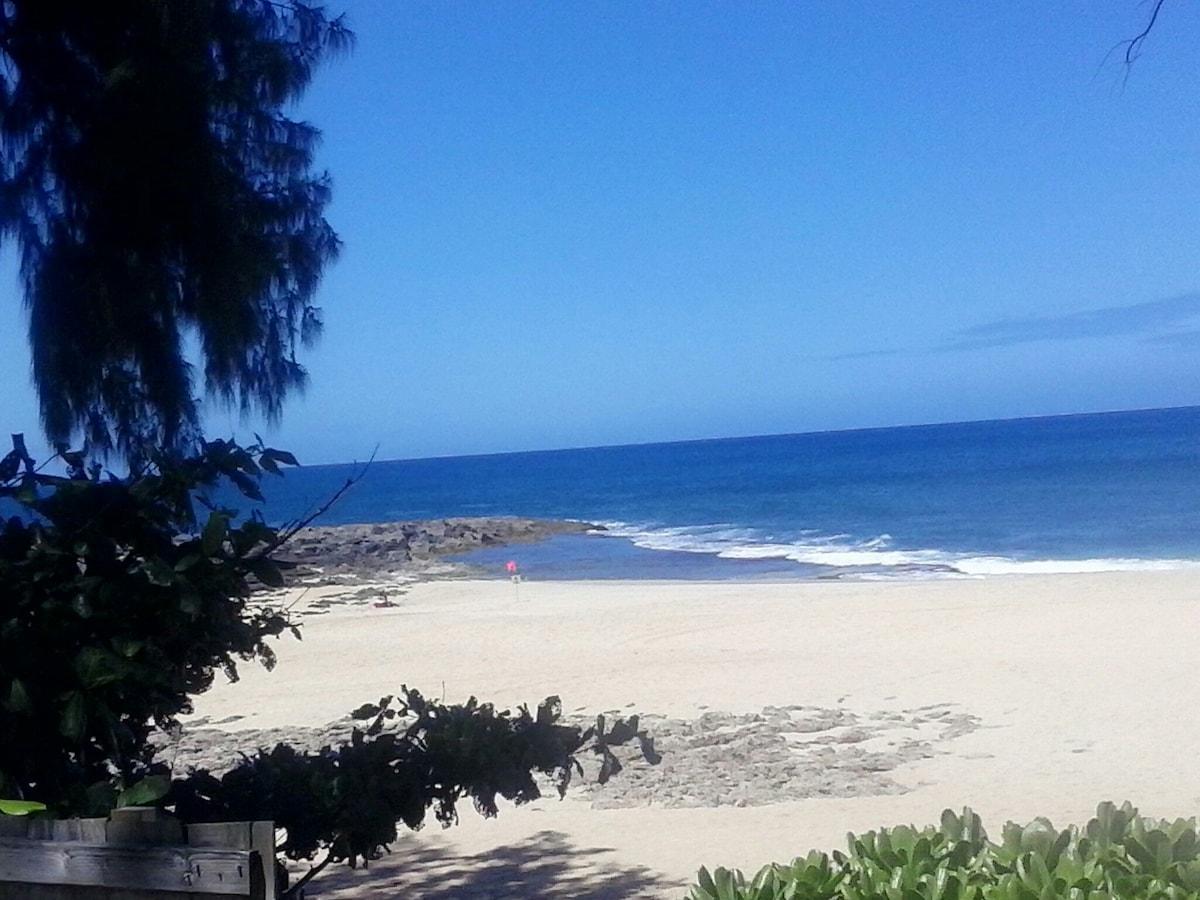 Beachfront north shore location!!