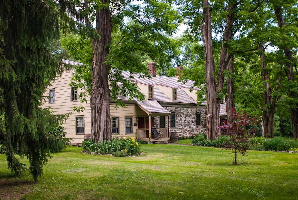 Thornwood - Philip and Gertrude Deyo House - Modern Comforts in a Historic Home