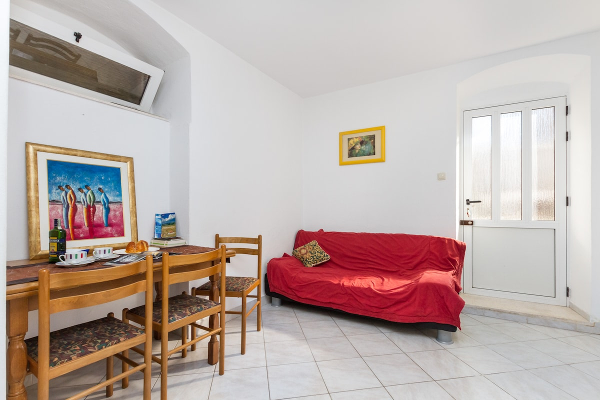 Stone house 2 bedroom in old town