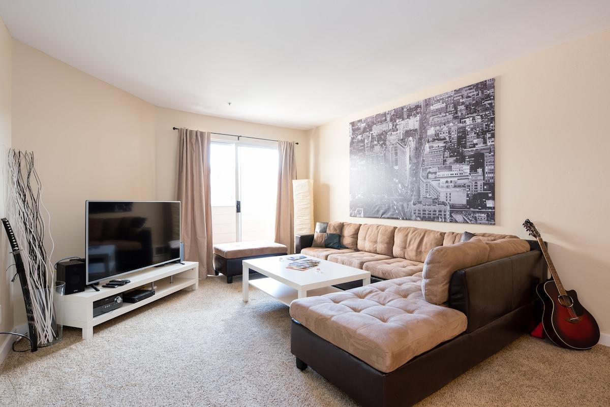Luxury Apt/Room , Great Location