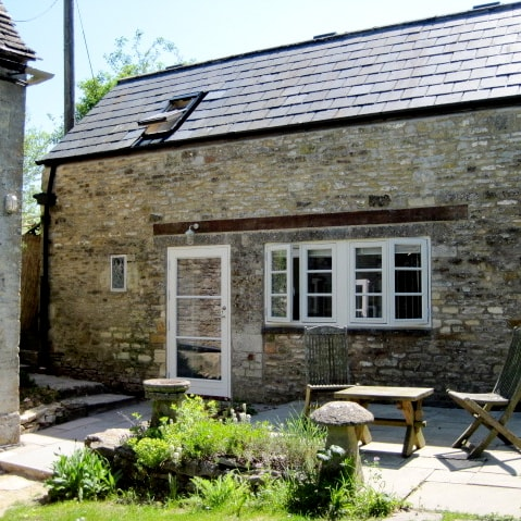 Tranquil Cotswold Stone Cottage