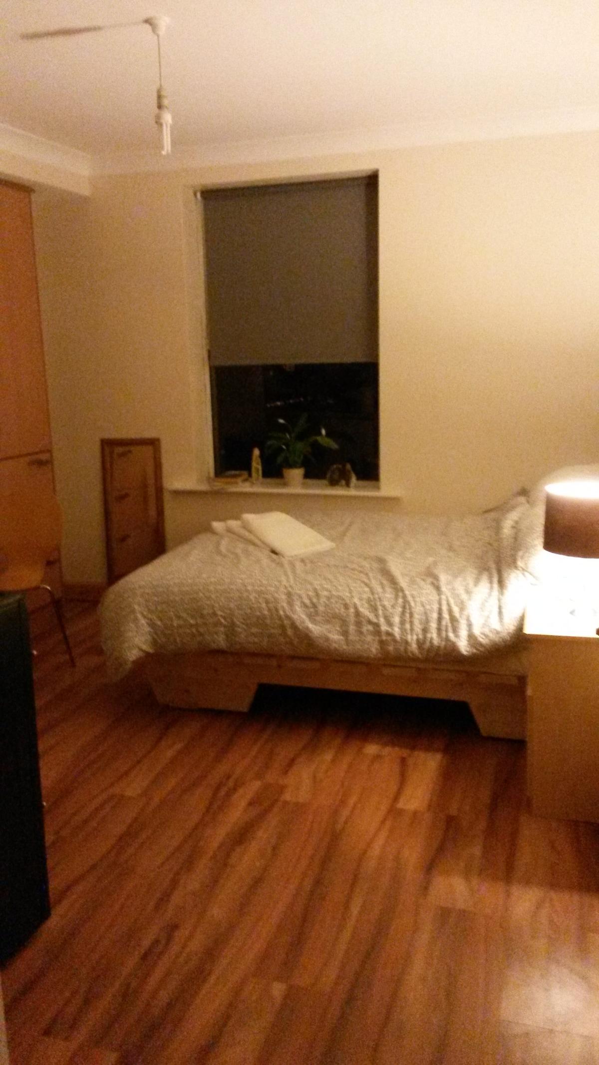 # 2  Bijou studio flat
