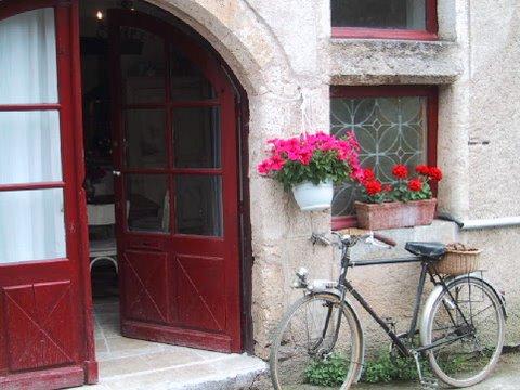 Front Entrance to Maison d'Etre