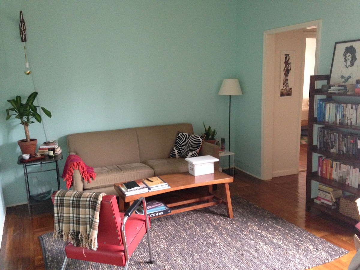 1-bedroom apt with great light!