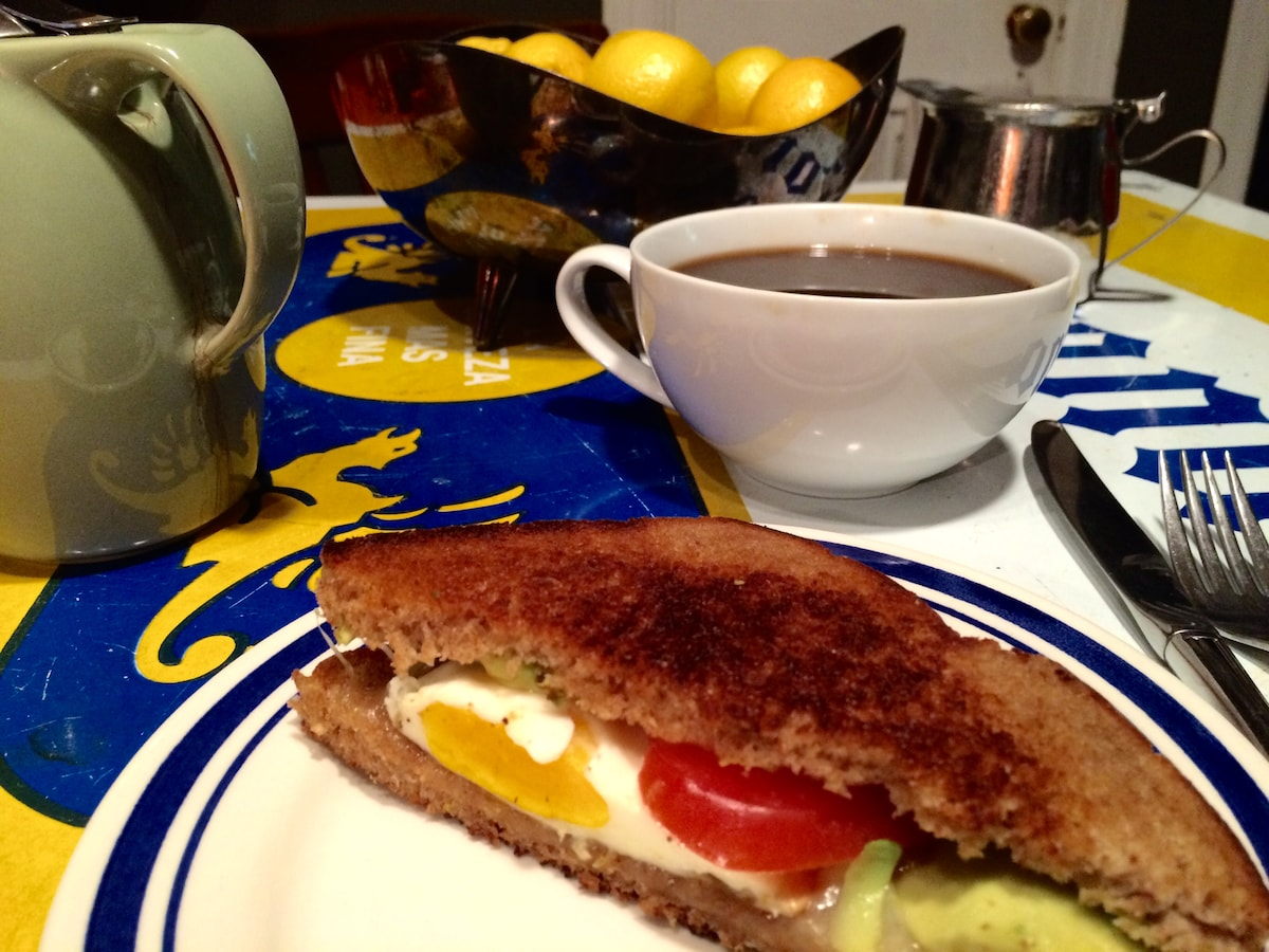 (breakfast not available from May to Sept) Gourmet breakfast and coffee included!
