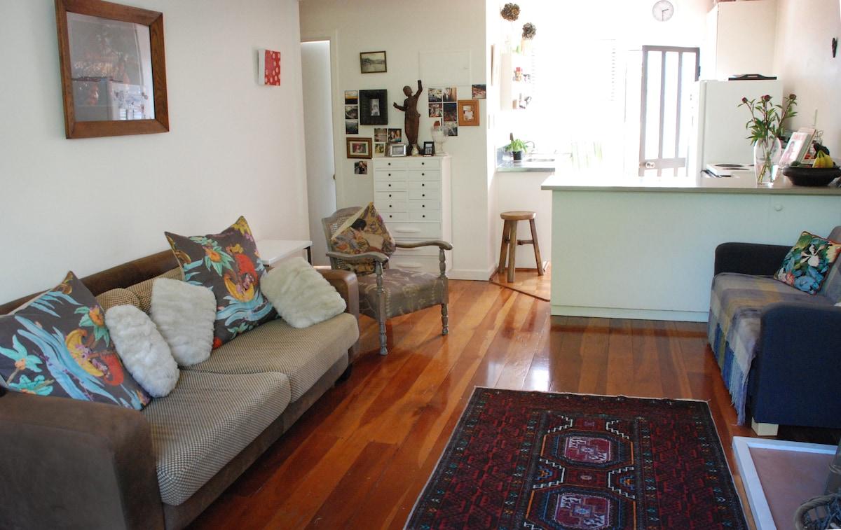 Art Deco, central, cosy apartment