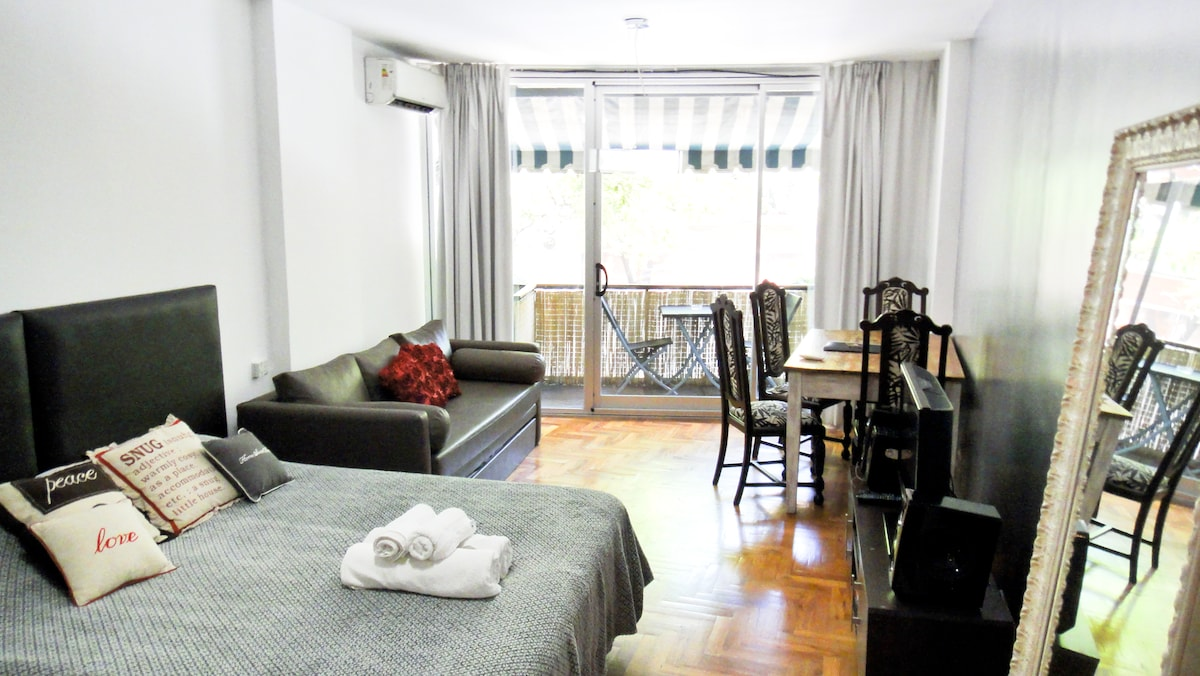 2-room apartment. Main room turned into a studio with capacity for 4 people + one cosy and small  bedroom for 2 people.