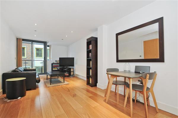 Modern & Central 1-Bedroom Flat