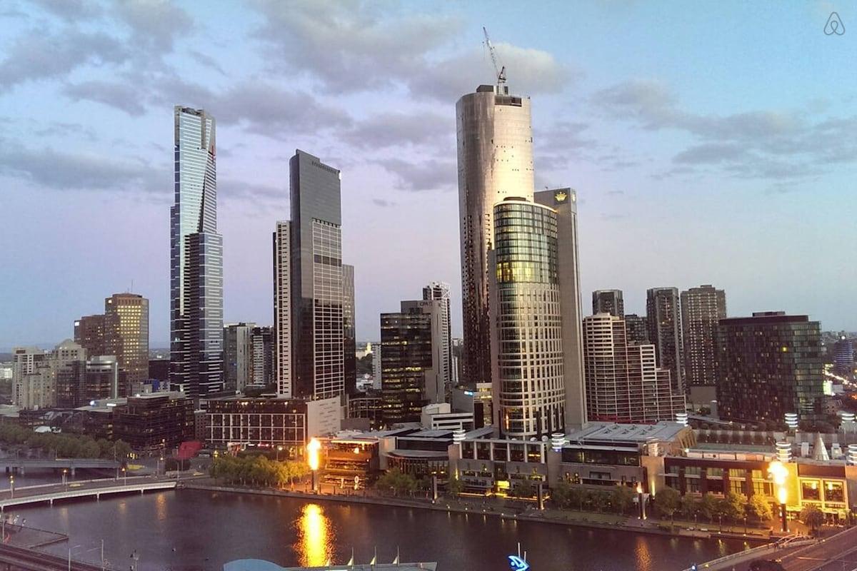 River Apartment in Melbourne CBD