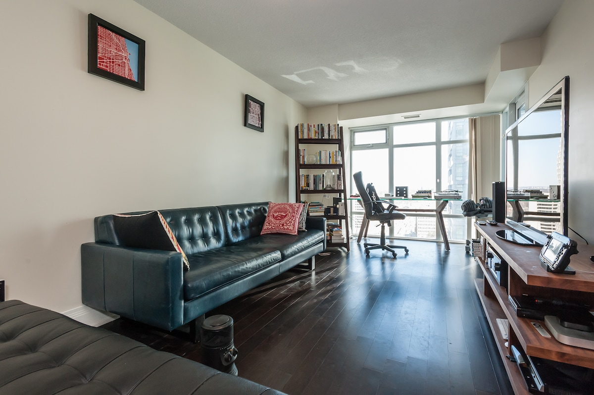 Cozy Condo with Tons of Amenities