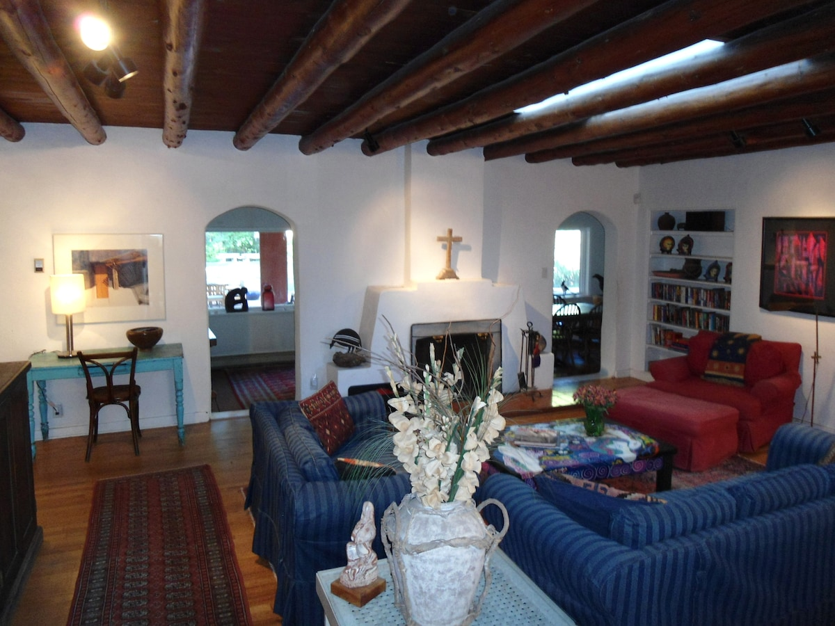 1920's Taos style 3+BR/3B Home