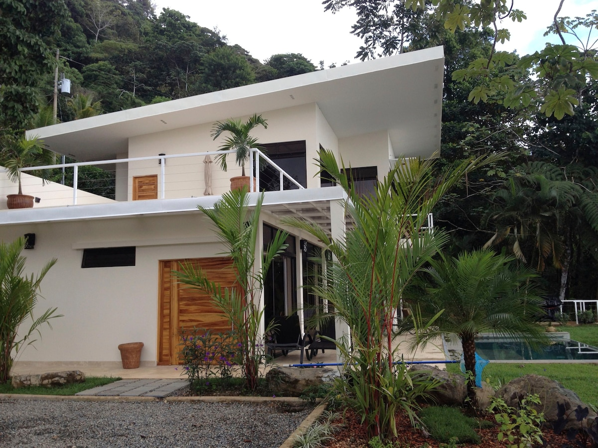 NEW Modern 2 BR Villa with Pool