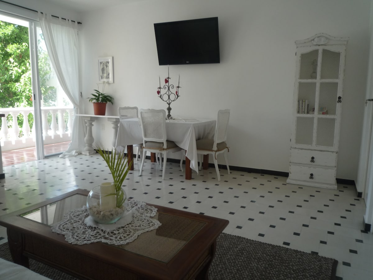 Lovely Ideally located apartment