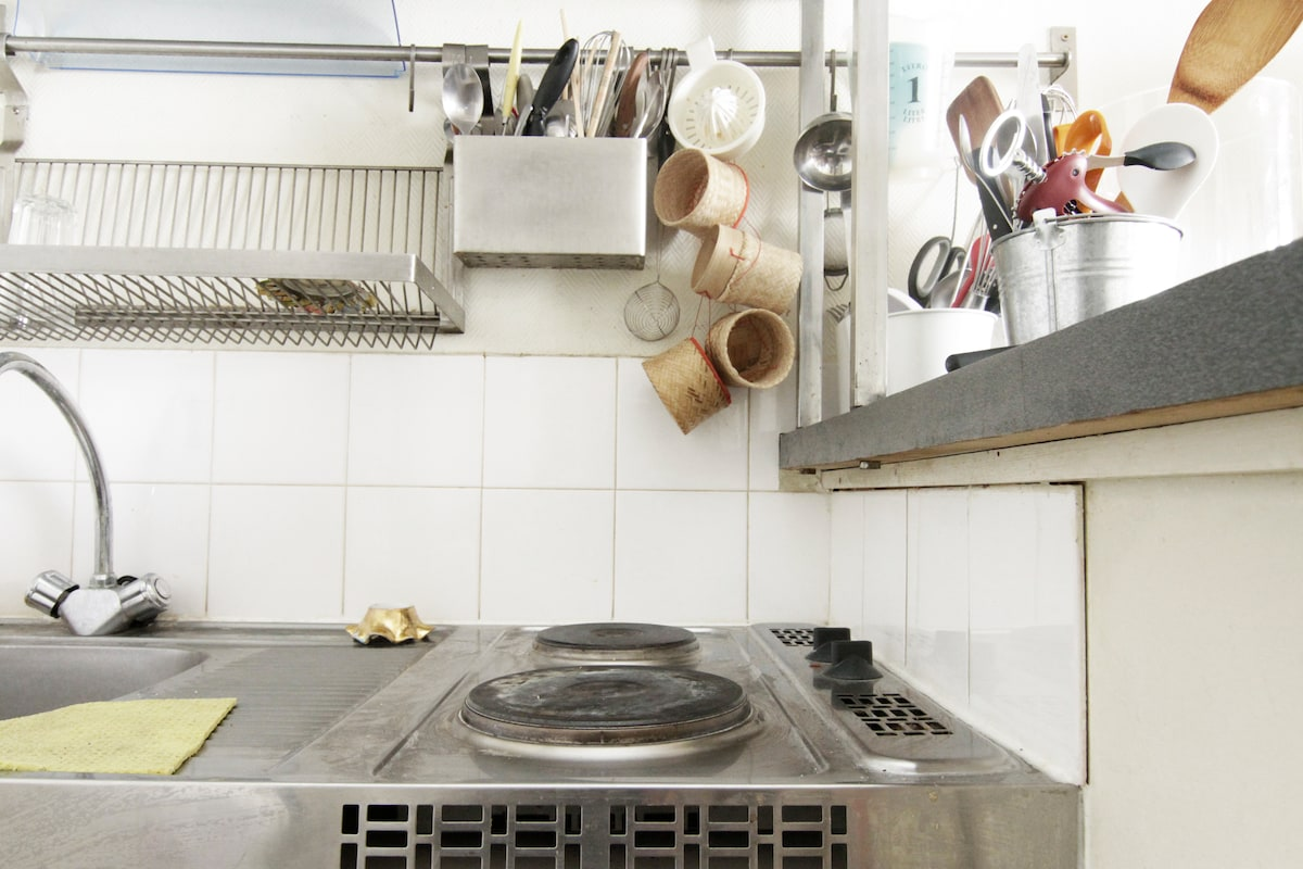 the hotplates and the sink