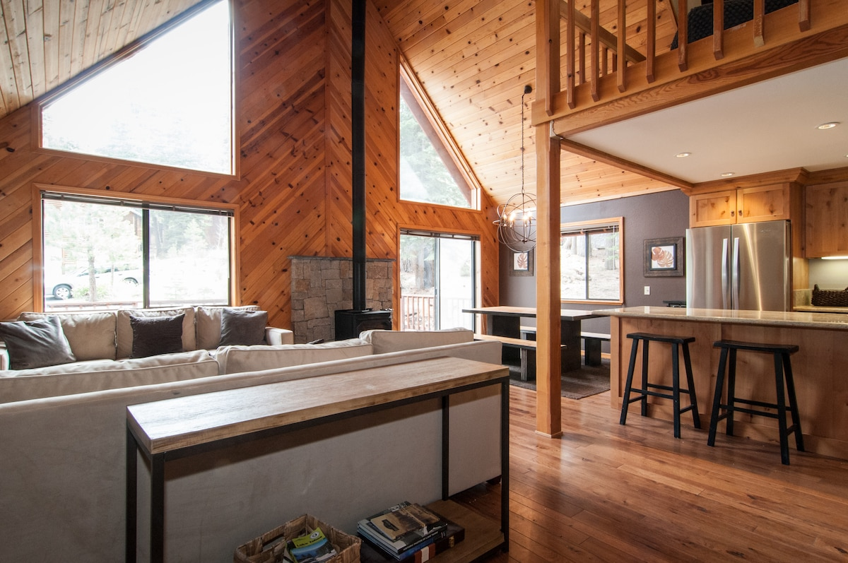 Perfect 3BR Cabin in Tahoe Donner