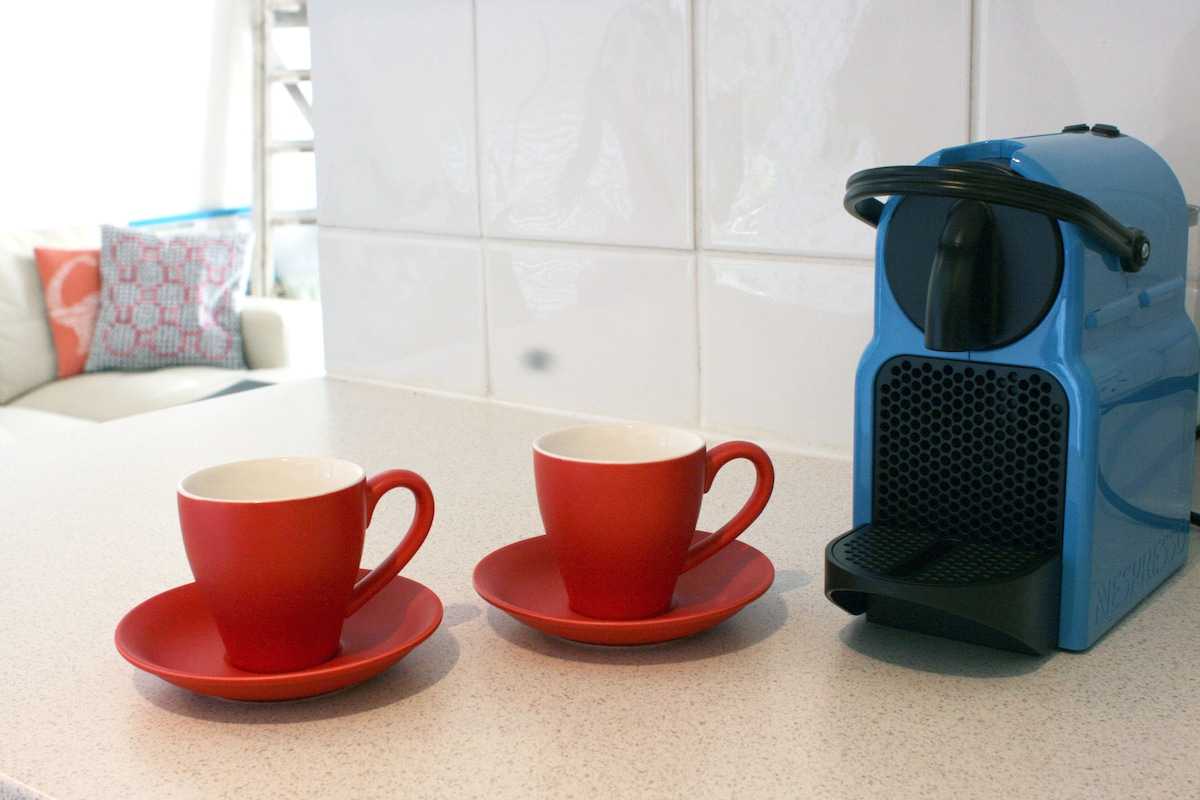 Little Nespresso machine