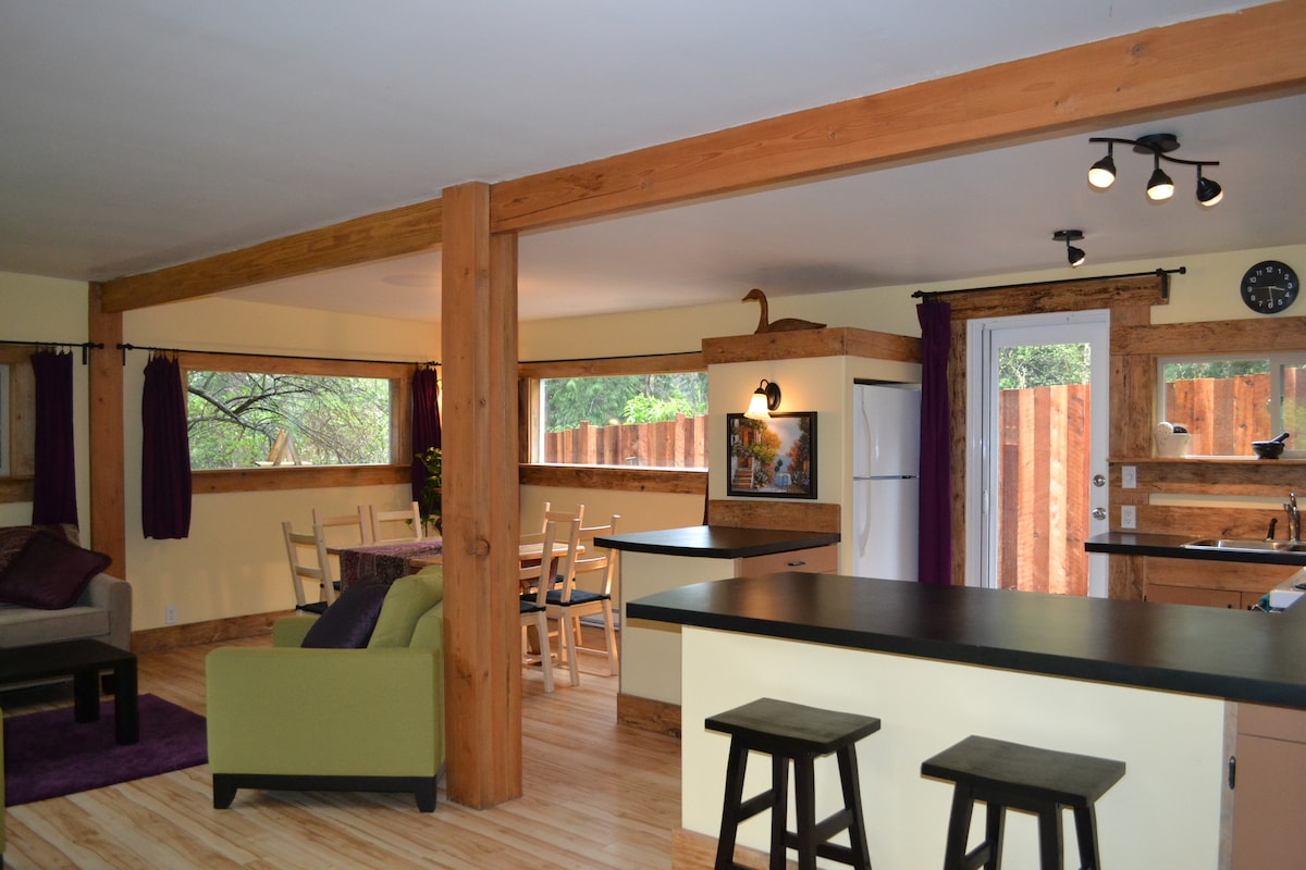 Heart of the Creek Cottage