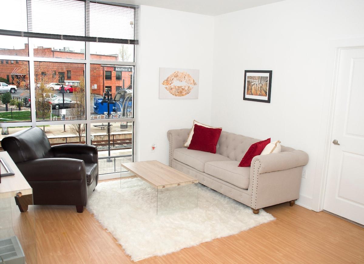 Modern room near Light Rail
