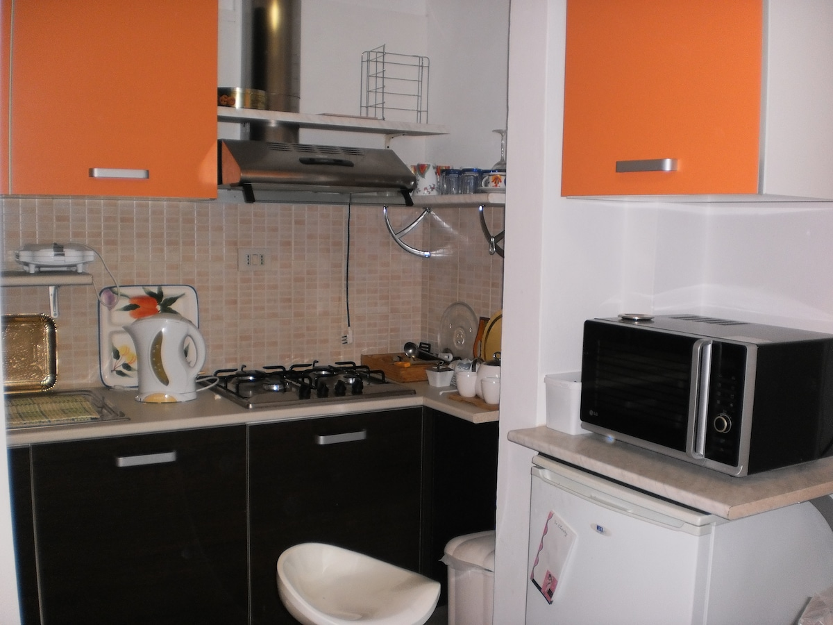 Double bed sitter near tourist area