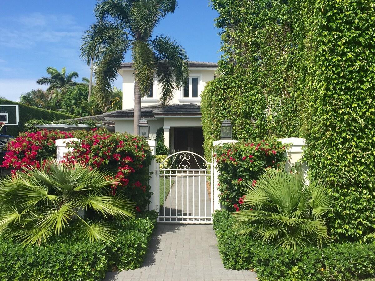 Palm Beach Home w/ Pool