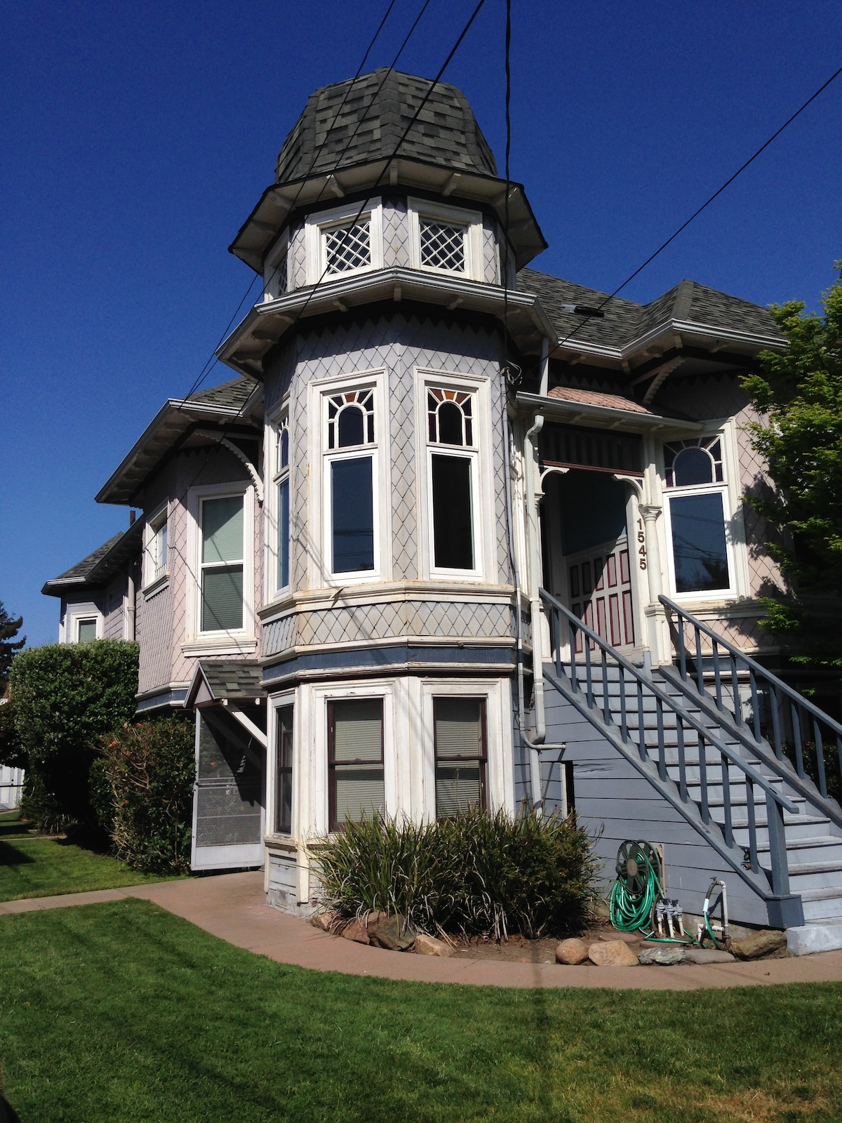Gorgeous Victorian on SF Bay Island