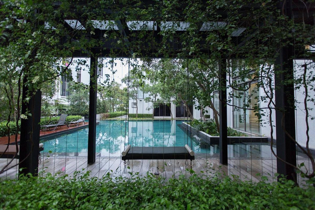 The Duchess Loft & Pool