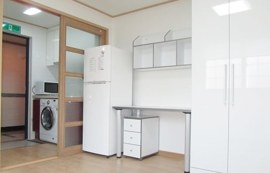 YOONY Cozy Studio Apartment Flatlet