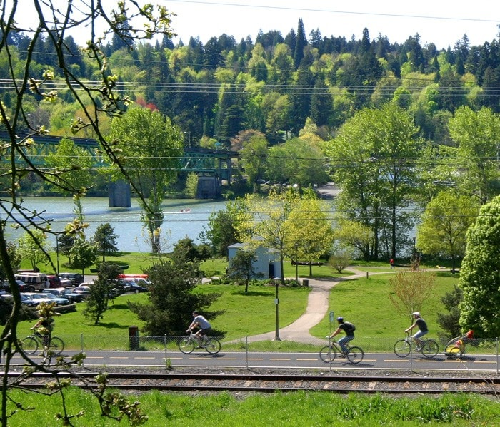 Conveniently located 1/2 mile from Sellwood Park and Springwater Trail. Bikes available.