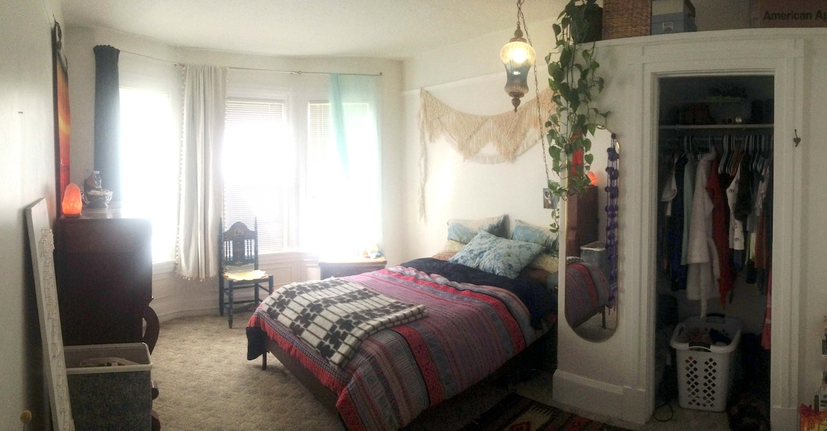 The Thrifter Central District 2Bed