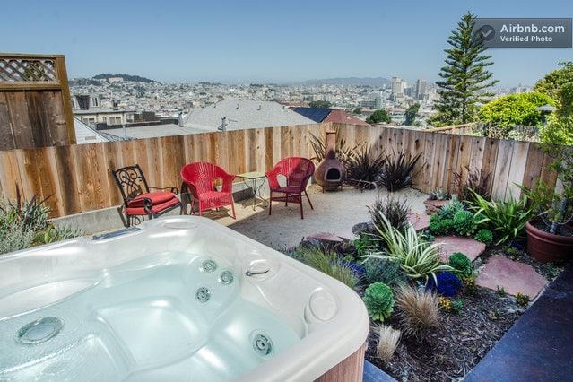 Back yard with Hot Tub - always ready