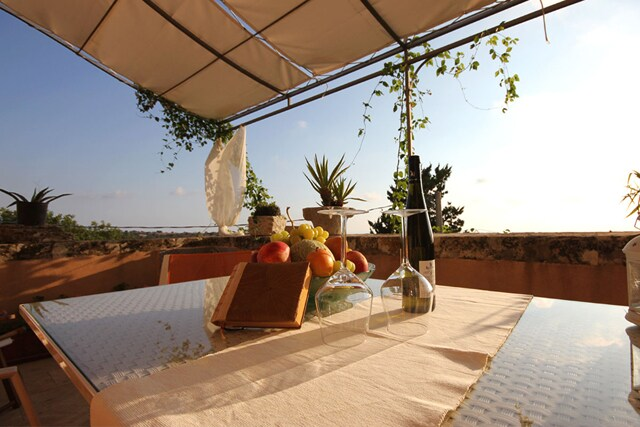 """It feels in vacation in the shining Sicily at """"Villa Le Tortore!"""""""