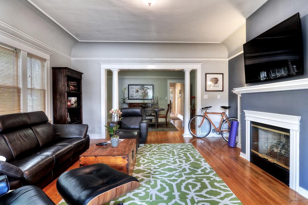 XL 2BR Luxury Suite-Best Location!