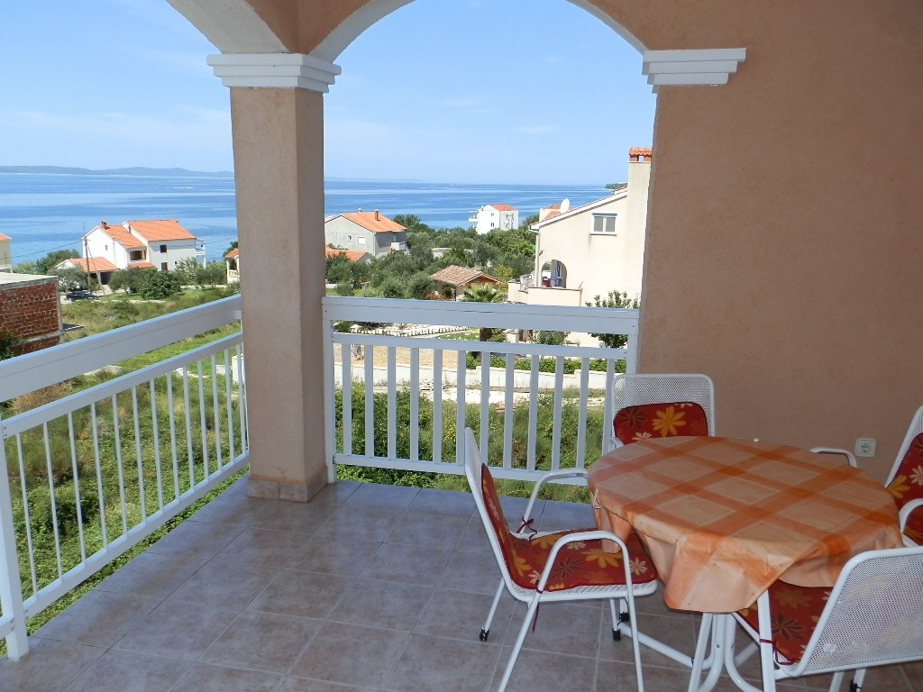 Studio-3 Persons-80m from the Sea