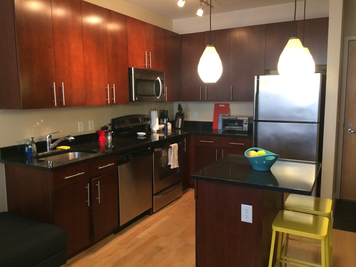 Spacious 1BR in Amazing Location