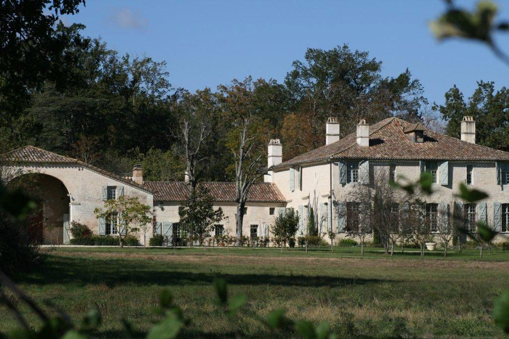 10 bd, private, wooded forest